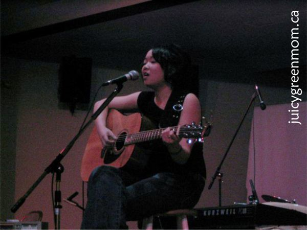 judith lam singing and playing guitar juicy green mom
